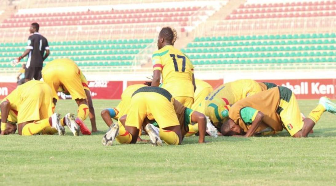马里击败肯尼亚,在 E 组中保持两分领先