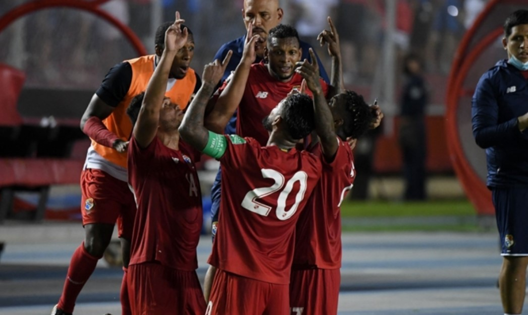 美国在世界杯预选赛冲击中连续上垒