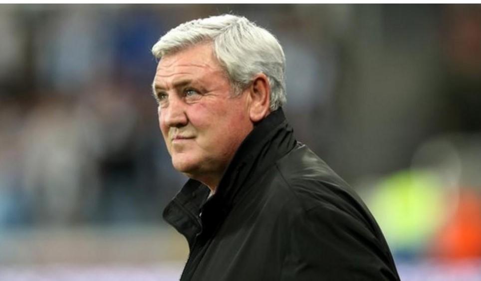 阿曼达.士他花利在以 3.05 亿英镑收购纽卡斯尔联后与史蒂夫.布鲁斯会面