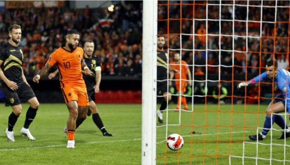荷兰队以6比0的比分轻松战胜了直布罗陀队