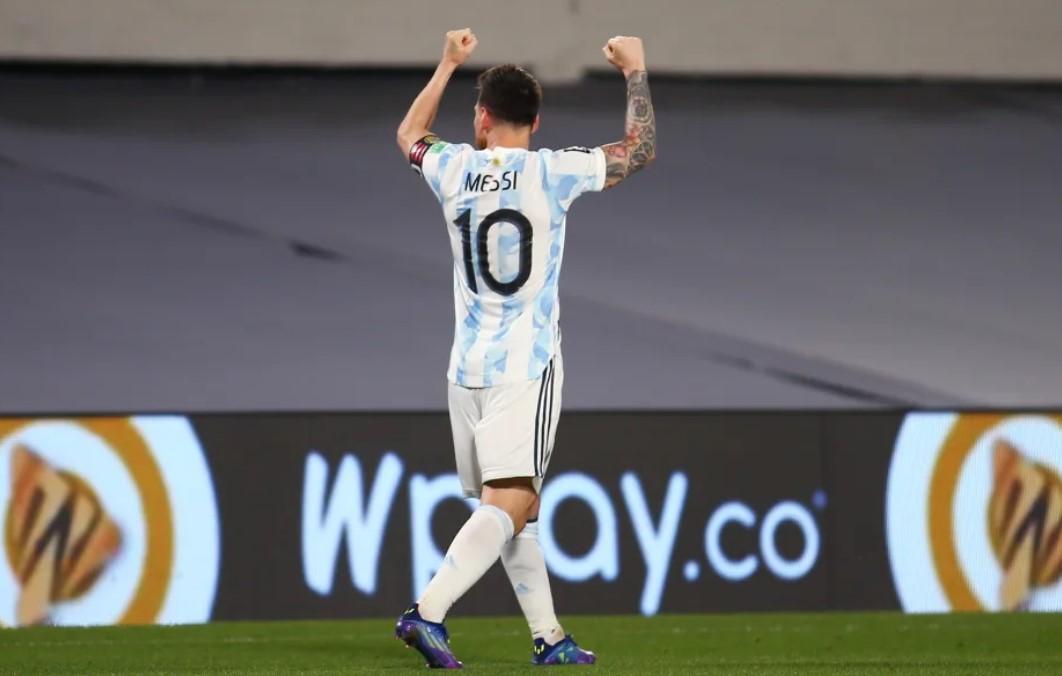 莱昂内尔.梅西在阿根廷赢得具有里程碑意义的第80个国际进球