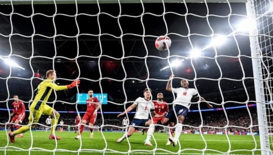 英格兰队与匈牙利队在世界杯预选赛中战平