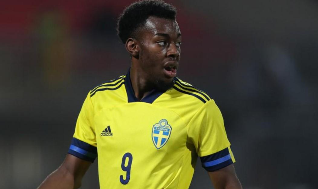 曼联边锋埃兰加在为瑞典21岁以下国家足球队效力时遭到种族歧视