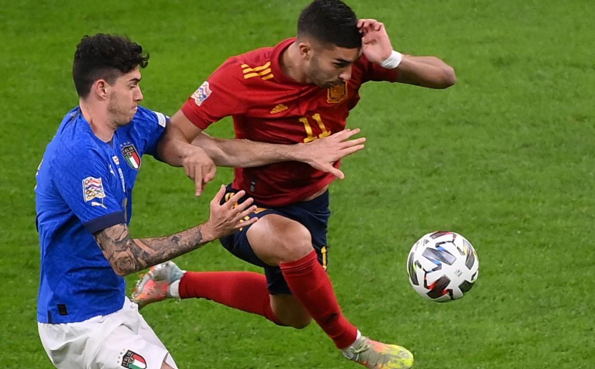 曼城前锋在对阵西班牙的国际比赛中脚骨折